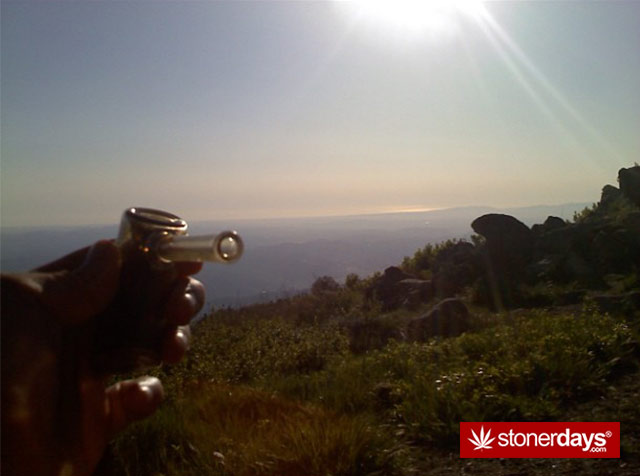 Stoner-Adventures-Outdoor-Smoking (20)