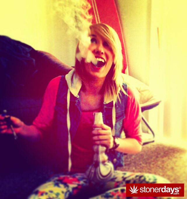 stoner-weed-girls-blazed (353)
