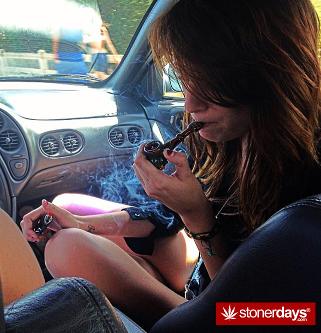 stoner-weed-girls-blazed (3)