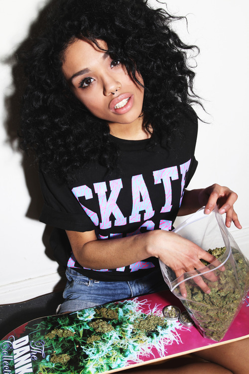 GIRLS-GONE-GANJA-BEAUTIFUL (3)