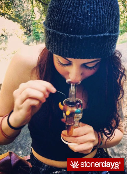 GIRLS-GONE-GANJA-STONERS (10)