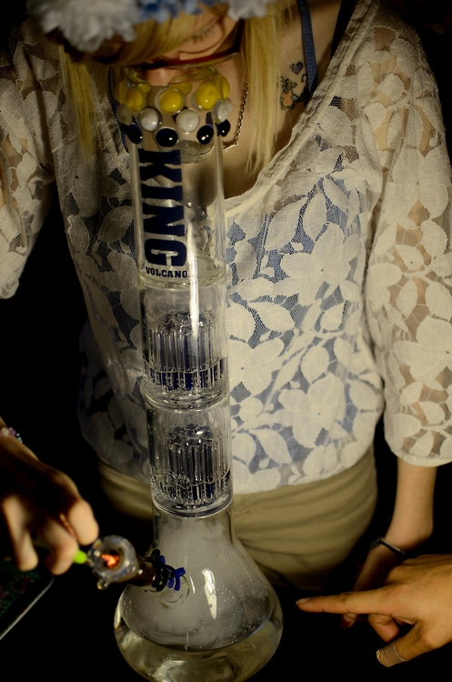 GIRLS-GONE-GANJA-STONERS (14)