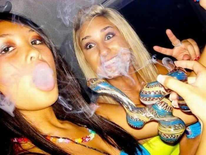 Girls-Gone-Ganja12