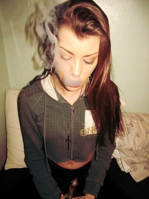 joints-bongs-babes