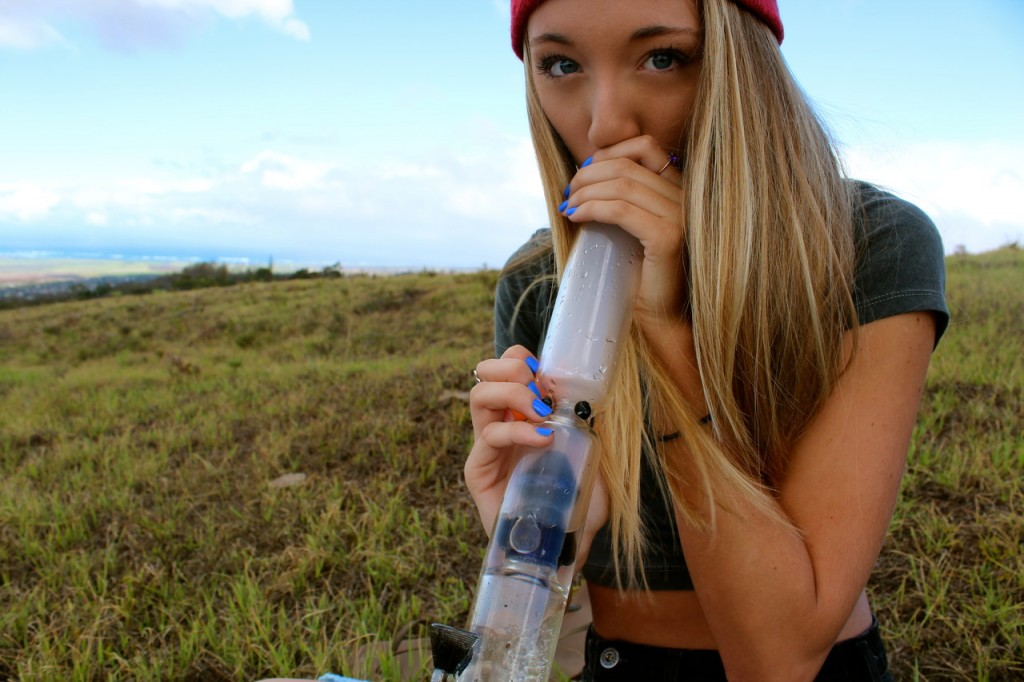 outdoor-girls-gone-ganja