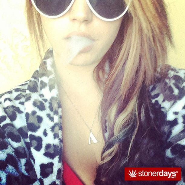 smoke-kush-sexy