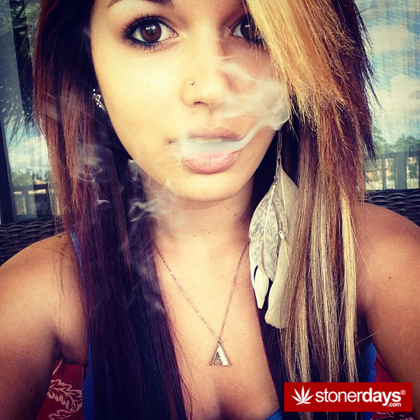 stoner-french-inhale