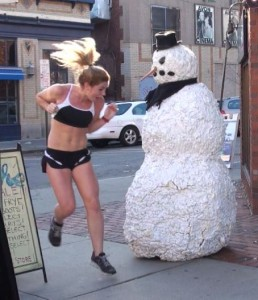 funny-scary-snowman-prank2