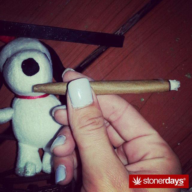 hot-stoners-bong-weed-pics (108)