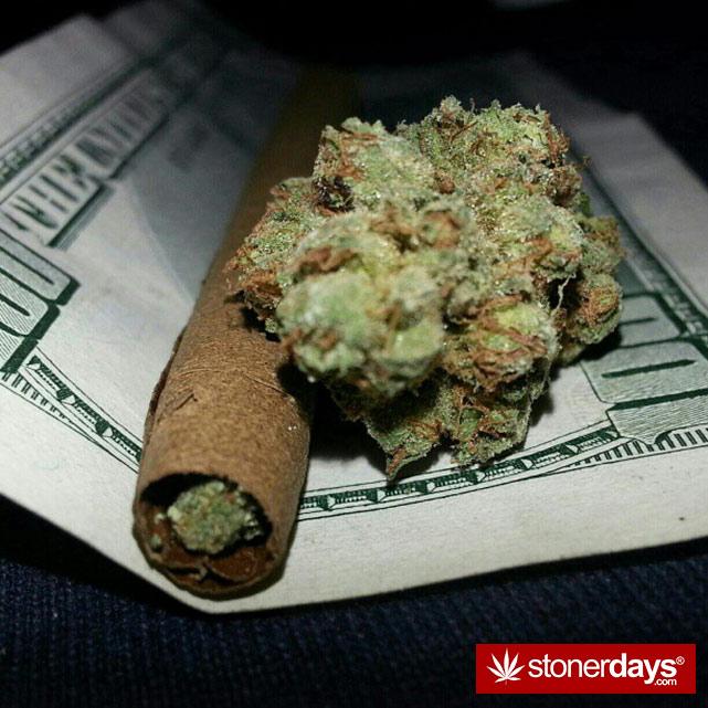 hot-stoners-bong-weed-pics (110)