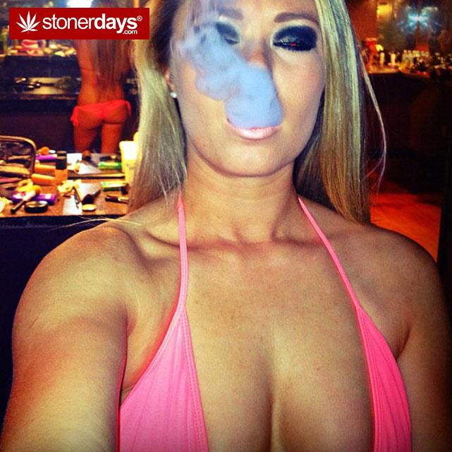 hot-stoners-bong-weed-pics (25)