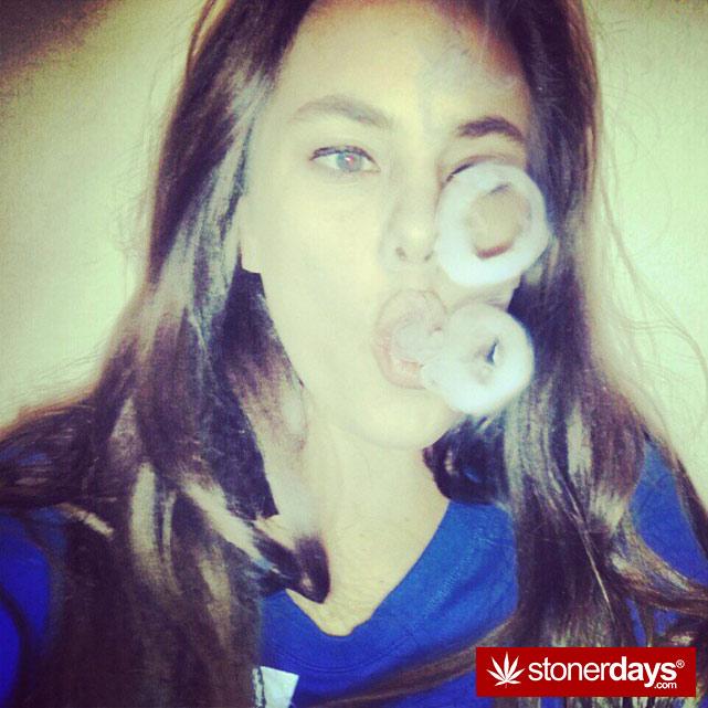 hot-stoners-bong-weed-pics (6)