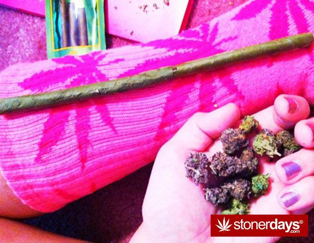 marijuana-pictures-hot-girls (2)