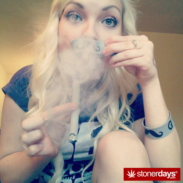 marijuana-pictures-hot-girls-54-vaporizer