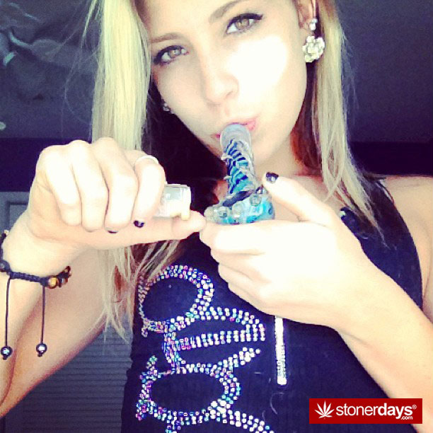 sexy-stoner-pipes-(11)