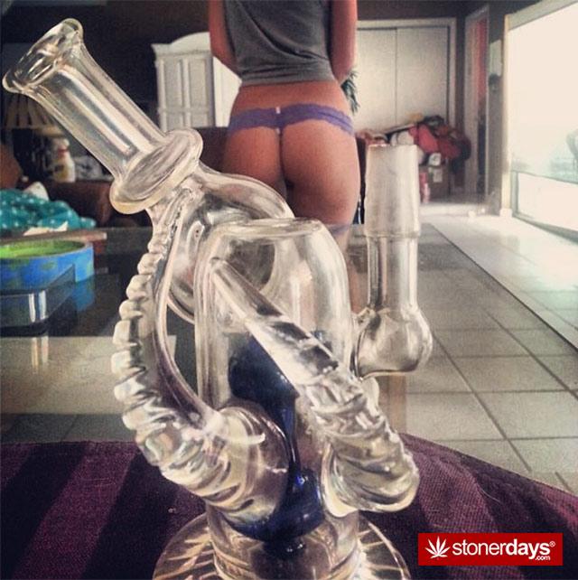 sexy-stoner-pipes-(24)