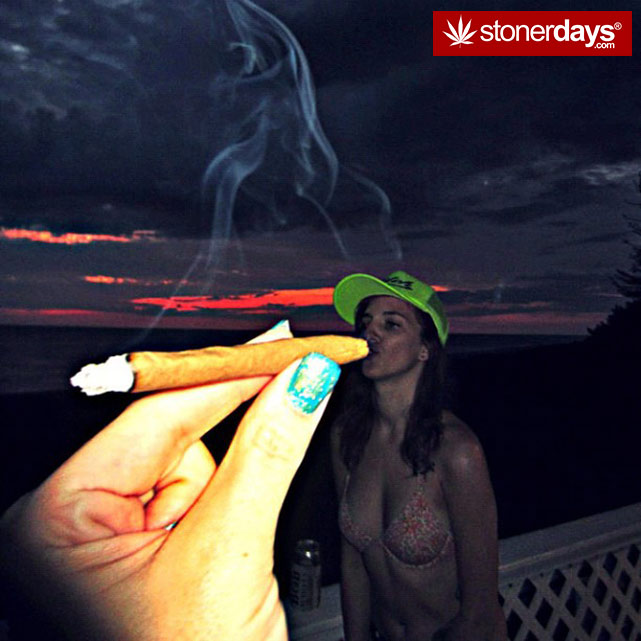 smoking-weed-bud-bongs (28)