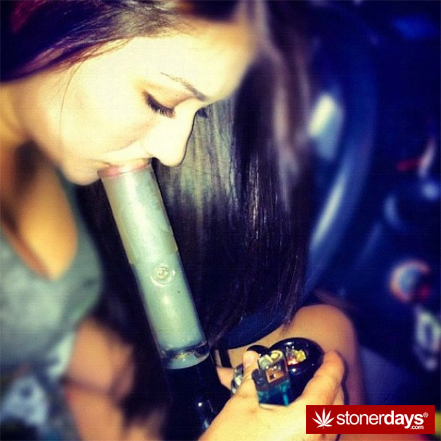 SMOKING-BONGS-WEED (57)