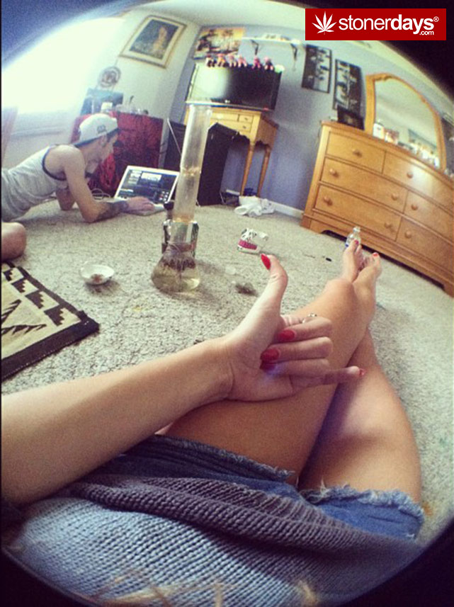 fat-blunts-girls-smoking-weed (19)