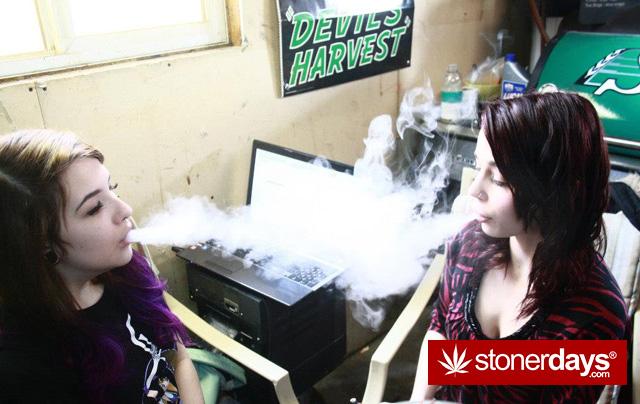 hot-girls-milking-bongs-pics (2) copy