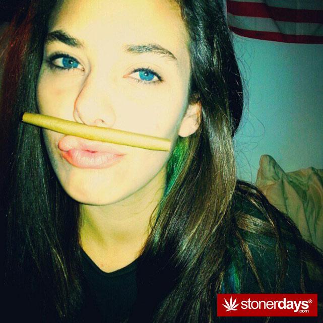 hot-stoners-bong-weed-pics (73)