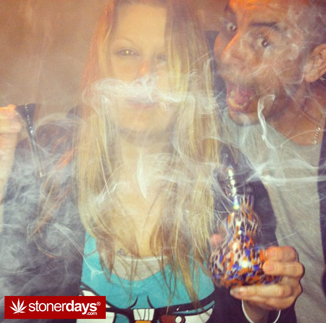 marijuana-pictures-hot-girls (112)