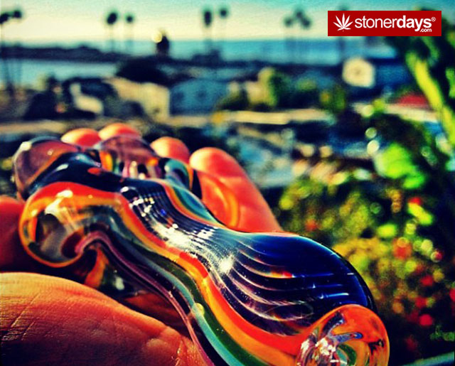 marijuana-pictures-sexy-glass (39)