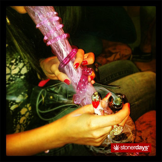 marijuana-pictures-sexy-glass (44)