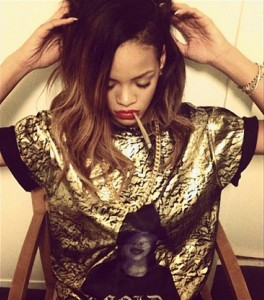rihanna-hot-smoking-blunt