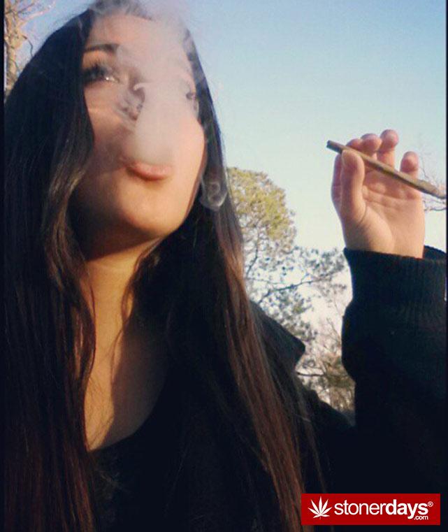 sexy-stoner-marijuana-pictures (134)