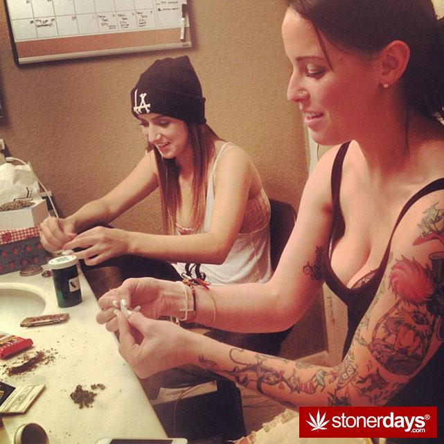 sexy-stoner-marijuana-pictures (166)