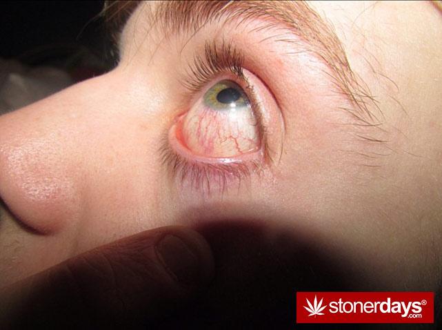 sexy-stoner-marijuana-pictures (177)