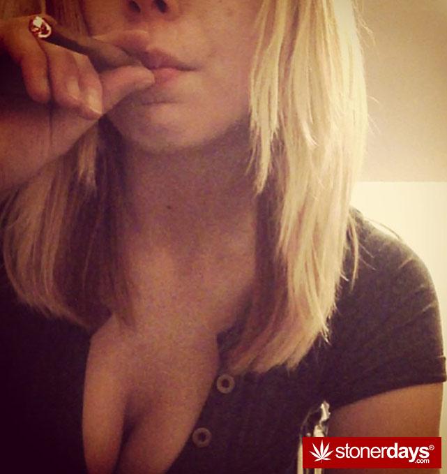 sexy-stoner-marijuana-pictures (310)