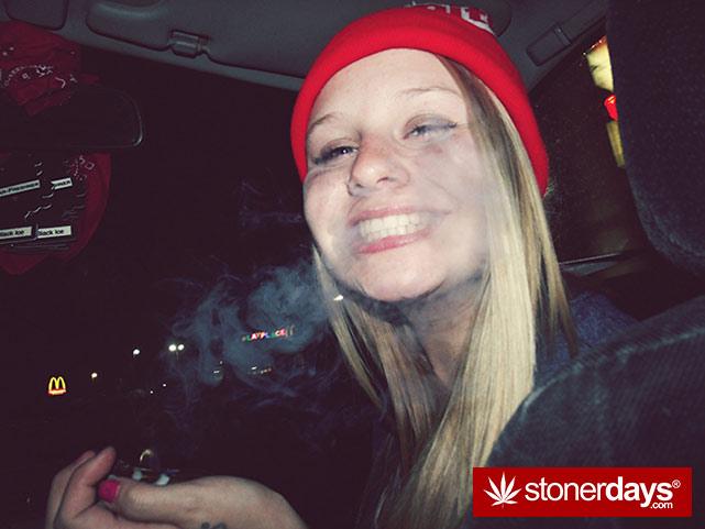 sexy-stoner-marijuana-pictures (558)