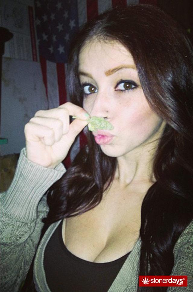 sexy-weed-stash-(3)