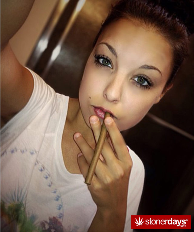 stoner-weed-girls-blazed (166)