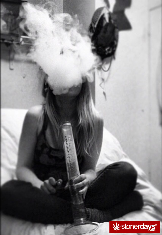 stoner-weed-girls-blazed (6)