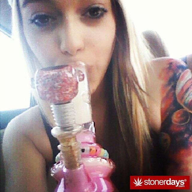 sexy-stoner-marijuana-pictures (180)
