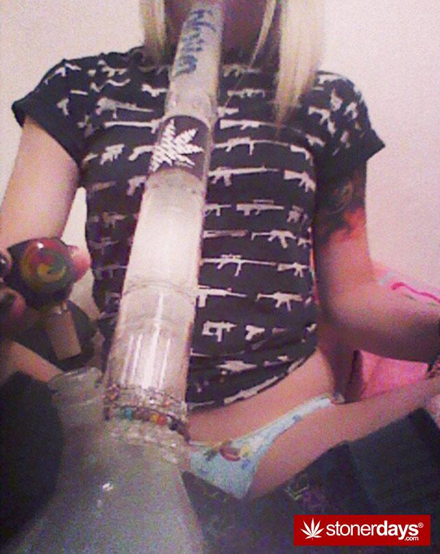 sexy-stoner-marijuana-pictures (374)