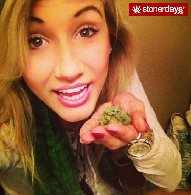 sexy-stoner-marijuana-pictures (448)