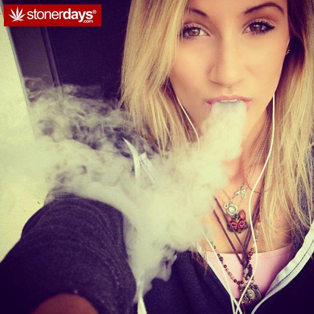 sexy-stoner-marijuana-pictures (58)